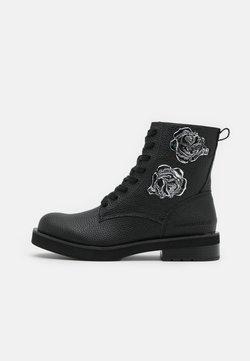 Calvin Klein Jeans - NEBI - Platform-nilkkurit - black