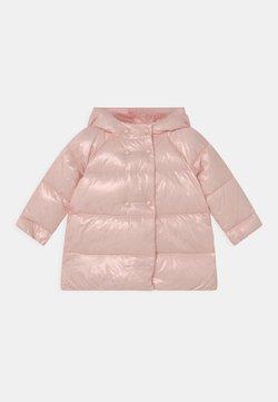 Emporio Armani - Abrigo de plumas - pink