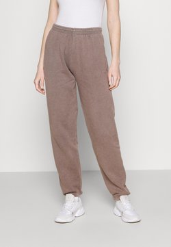 BDG Urban Outfitters - OVERDYED JOGGER - Jogginghose - chocolate