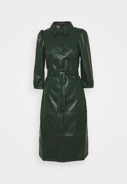 Vero Moda Tall - VMBUTTER LEE COATED BELOW DRESS - Robe d'été - pine grove