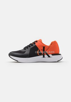 Calvin Klein Jeans - ANGIOLO - Sneaker low - black/mandarin orange