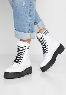Tommy Jeans - PATENT FLATFORM BOOT - Plateaustiefelette - white