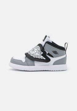 Jordan - SKY 1 UNISEX - Chaussures de basket - white/black/particle grey