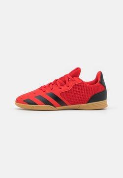 adidas Performance - PREDATOR FREAK .4 SALA P4 UNISEX - Botas de fútbol sin tacos - red/core black