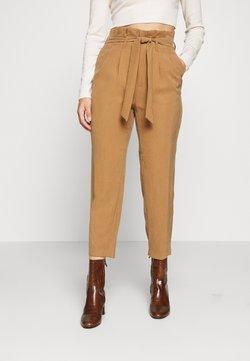 ONLY Petite - ONLSURI AINA PANTS - Pantalon classique - toasted coconut