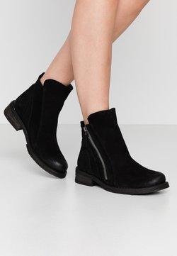 Felmini Wide Fit - COOPER - Stiefelette - black