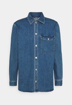 Weekday - BENTON SOBER  - Overhemd - sober blue