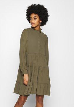 Vero Moda - VMZIGGA FRILL - Blusenkleid - ivy green