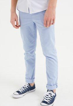 WE Fashion - Pantalones chinos - pastel blue