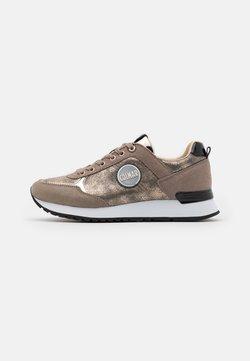 Colmar Originals - TRAVIS PUNK - Sneakers - beige/light gold