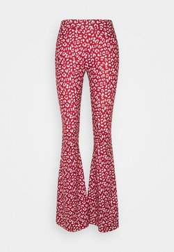Colourful Rebel - LEOPARD BASIC PANTS - Stoffhose - red