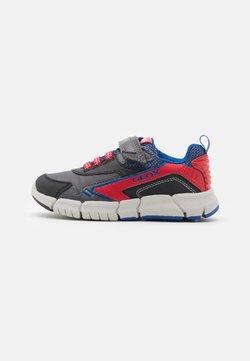 Geox - FLEXYPER BOY - Sneakers laag - black/red