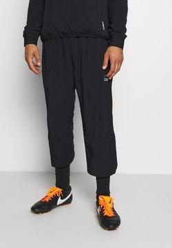 Nike Performance - FC CUFF PANT - Jogginghose - black/white/silver