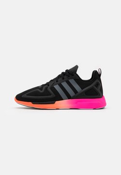 adidas Originals - ZX 2K FLUX SPORTS INSPIRED SHOES UNISEX - Sneaker low - core black/grey six/shock pink