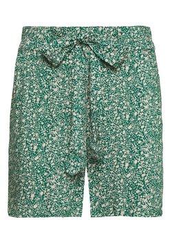 PIECES Tall - PCNYA TALL - Shorts - verdant green