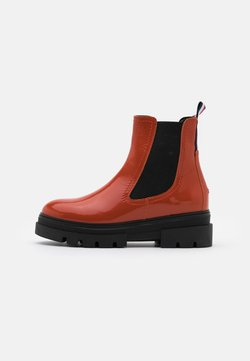 Tommy Hilfiger - CLASSIC CHELSEA BOOT - Plateaustiefelette - orange