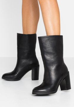 Royal RepubliQ - BRIDGE HIGH BOOT - Stivaletti con tacco - black