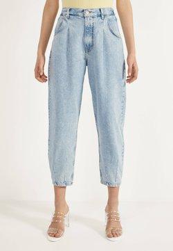 Bershka - Jeans Tapered Fit - blue denim