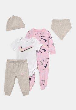 Nike Sportswear - SWOOSHFETTI PARADE SET UNISEX - Camiseta estampada - cashmere heather