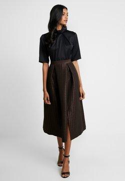 Closet - COLLAR FULL SKIRT DRESS - Cocktailkleid/festliches Kleid - rose gold