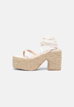 RAID - KENDRA - Korkeakorkoiset sandaalit - white