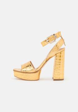 Guess - RIPPA - Sandalias con plataforma - gold