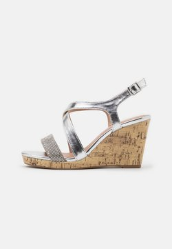 New Look Wide Fit - WIDE FIT SUNSHINE BLING MULTISTRAP WEDGE - Sandales à talons hauts - silver