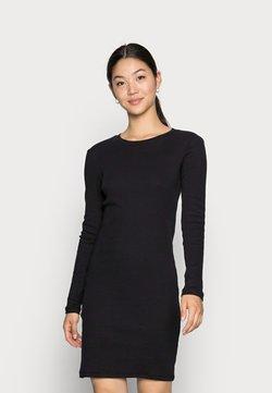 Vero Moda - VMNATASHA DRESS - Abito in maglia - black