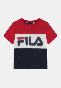 Fila - THEA BLOCKED UNISEX - Camiseta estampada - black iris/true red/bright white