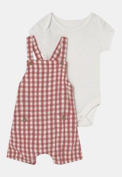 Marks & Spencer London - DUNGAREE BABY SET - T-shirt basic - white/red