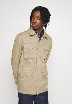 Burton Menswear London - POCKET SAFARI JACKET - Kevyt takki - stone