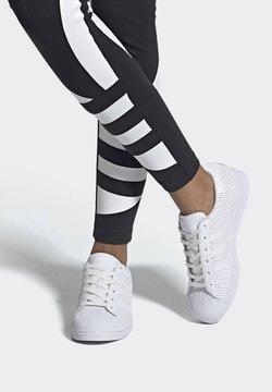 adidas Originals - SUPERSTAR SHOES - Sneakersy niskie - white
