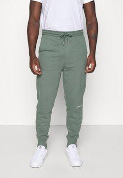 Calvin Klein Jeans - MICRO BRANDING PANT - Jogginghose - duck green