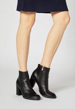 Felipa - Korte laarzen - noir