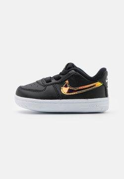 Nike Sportswear - FORCE 1 CRIB UNISEX - Krabbelschuh - black/multicolor/white