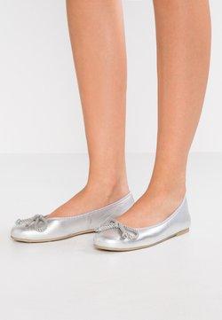 Pretty Ballerinas - AMI   - Klassischer  Ballerina - plata