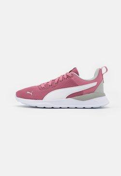 Puma - ANZARUN LITE UNISEX - Sports shoes - foxglove/white/gray violet