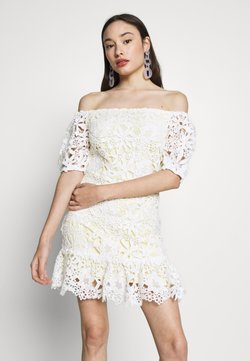 Miss Selfridge Petite - LACE BARDOT MINI DRESS - Cocktailkleid/festliches Kleid - lemon