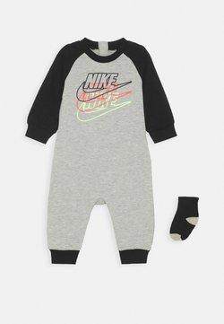 Nike Sportswear - FUTURA COVERALL SOCK ATTACHMENT - Combinaison - stone heather