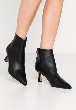 Shoe The Bear - CARIS ZIP - Ankle Boot - black