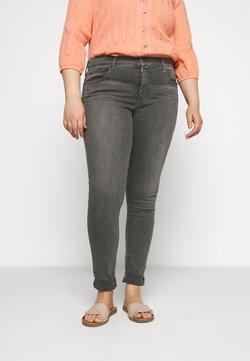 Levi's® Plus - 310 PL SHPING SPR SKINNY - Jeansy Skinny Fit - hazy daze grey