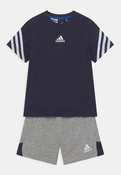 adidas Performance - BOLD SUM SET - T-shirt med print - legink/white