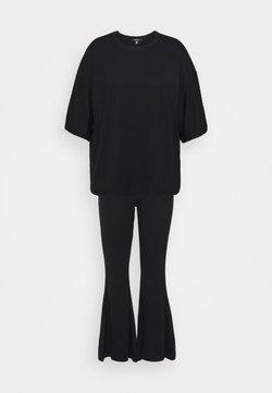 Missguided Plus - FLARE OVERSIZED SET - Stoffhose - black