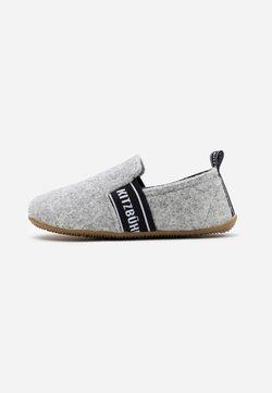 Living Kitzbühel - T-MODELL UNISEX - Hausschuh - grey