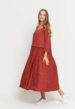 Madam-T - ELENIS - Vestito lungo - rot