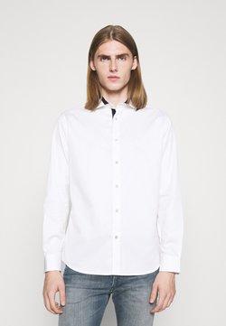 Emporio Armani - SHIRT - Skjorta - bianco ottico