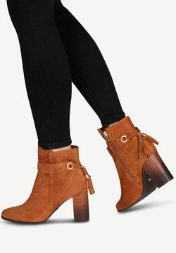 Tamaris - BOOTS - Støvletter - nut
