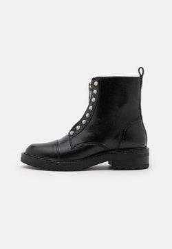Pavement - VALENTINA - Veterboots - black garda/silver