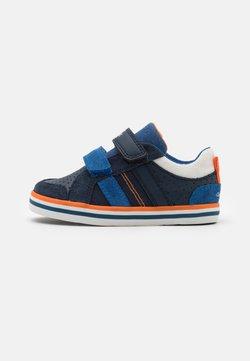Geox - KILWI BOY - Sneaker low - navy/royal