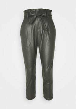 Vero Moda Petite - VMEVA PAPERBAG ANKLE PANTS - Pantalones - peat